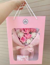 Bó hoa hồng sáp kèm thiệp, túi xách siêu đẹp