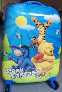 Vali kéo hình chữ nhật họa tiết gấu Pooh cho bé