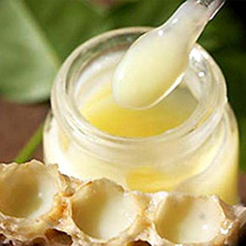 Các trị mụn bằng sữa ong chúa - mặt nạ sữa ong chúa trị mụn