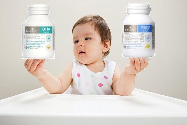 [NEWS] Bé 7 tháng tuổi mẹ chọn dầu cá DHA Bio Island hay dầu cá Cod Liver Fish ?