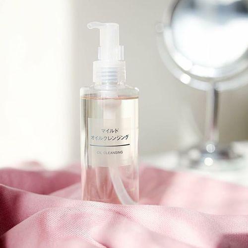 Review dầu tẩy trang Muji Cleansing Oil: nhẹ nhàng làm sạch mọi làn da