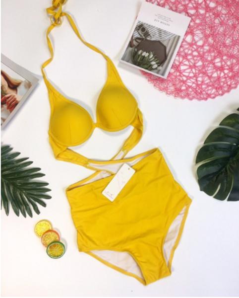 Bộ Bikini Liền Thân Áo Vắt Chéo Lưng Màu Vàng
