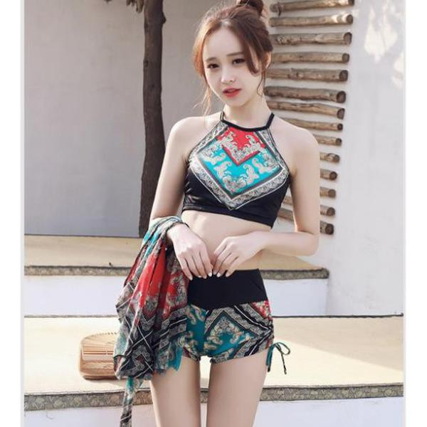 Bikini Họa Tiết Thổ Cẩm Có Kèm Tấm Khăn Choàng Cá Tính