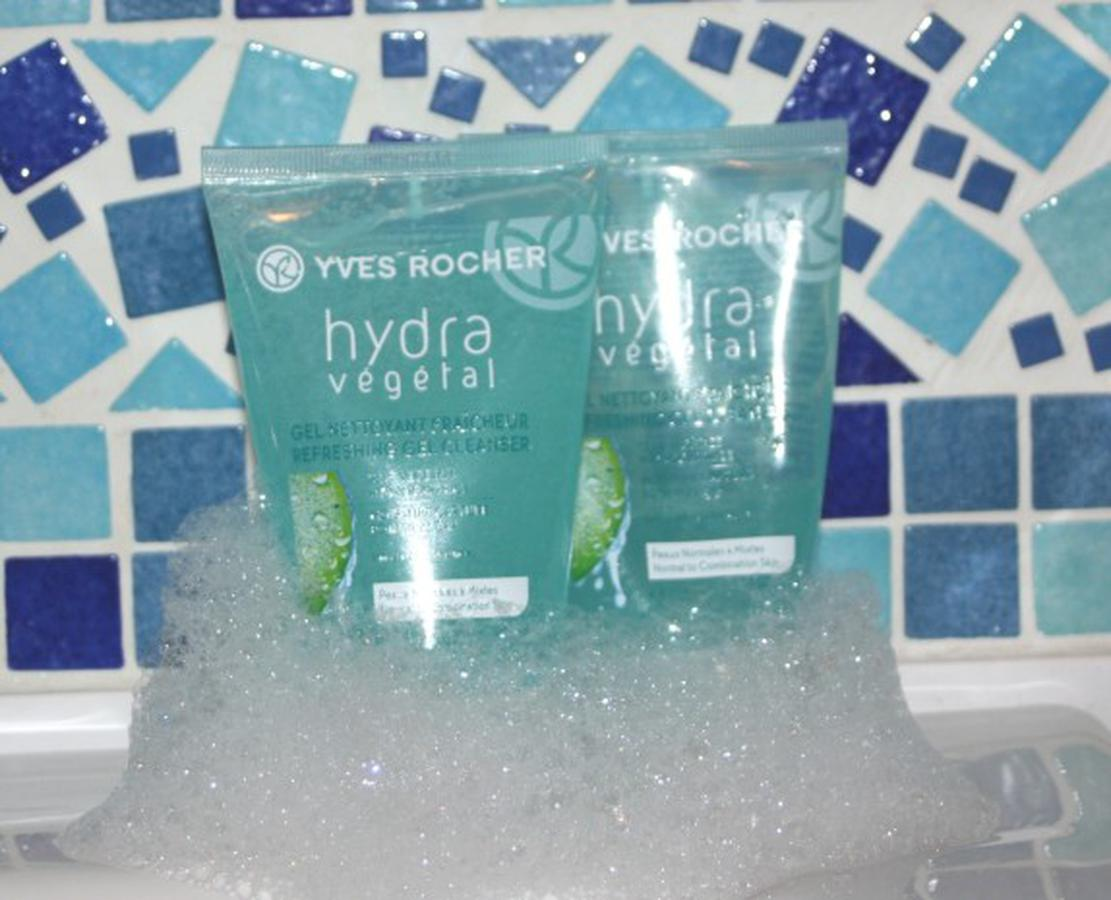 Sữa Rửa Mặt Yves Rocher Hydra Végétal Gel 125ml