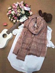 Khăn đũi khoang lọt top 6 loại khăn đẹp nhất dành cho phái đẹp
